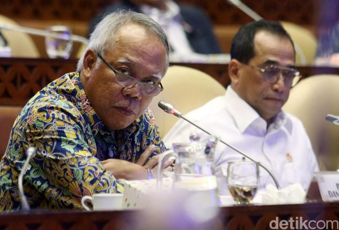 Komisi V DPR RI memanggil Menteri Perhubungan Budi Karya Sumadi dan Menteri PUPR Basuki Hadimuljono hari ini membahas infrastruktur transportasi pariwisata.