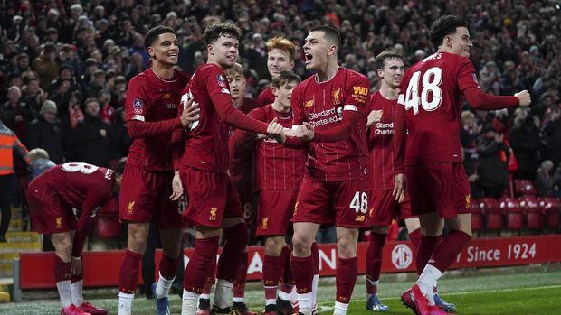Legenda MU Takut Kehilangan Bek Liverpool