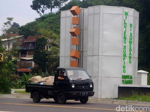 Gapura 'Selamat Datang di Sumedang Kota Tahu' Tuai Kritikan