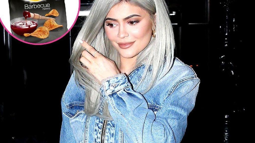 Mengintip 5 Makanan Favorit Kylie Jenner, dari Kaldu Tulang sampai Burger