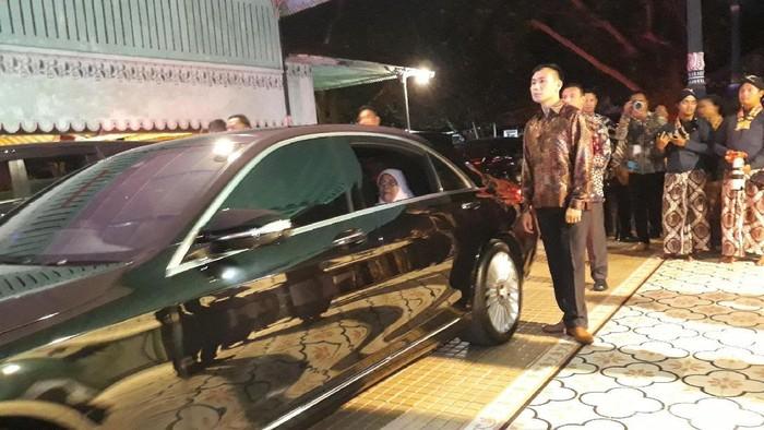 Presiden Singapura HE Halimah Yacob meninggalkan Keraton Ngayogyakarta Hadiningrat, Rabu (5/2/2020).
