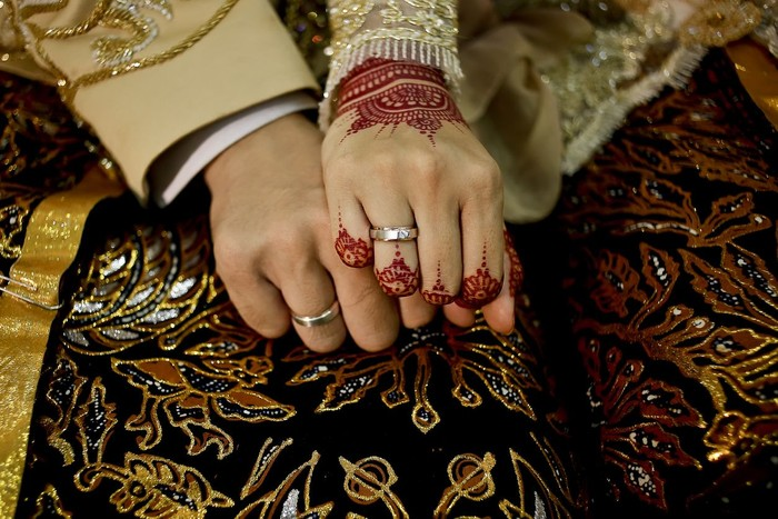 Javanese Bride and Groom Hands