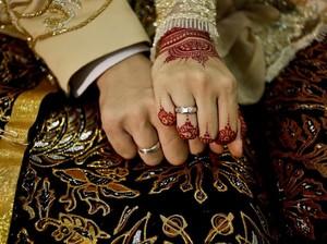 Doa untuk Suami Agar Tidak Selingkuh dan Selalu Sayang Istri