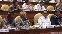 Keduanya akan melakukan rapat kerja dengan DPR membahas infrastruktur transportasi pariwisata.