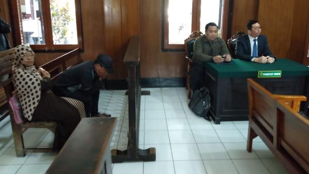 Sidang Permohonan Ganti Kelamin di Surabaya, Tiga Saksi Dihadirkan