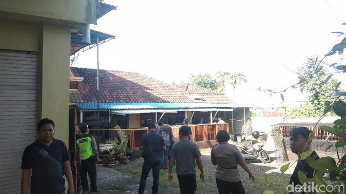 Janda paruh baya yang ditemukan tewas di dalam rumahnya di Denpasar diduga korban pembunuhan (Angga Riza/detikcom)