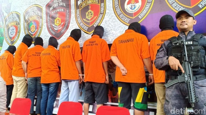 Polda Metro Jaya merilis kasus pembobolan rekening milik Ilham Bintang (Samsdhuha Wildansyah/detikcom)