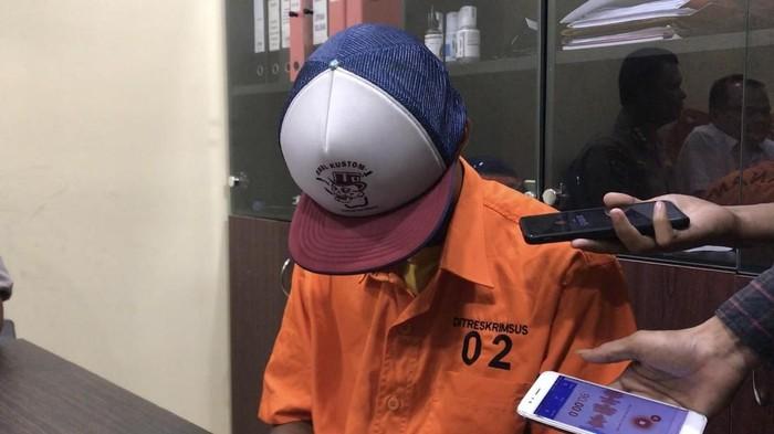 Muncikari kasus prostitusi online yang diungkap polisi dari laporan Andre Rosiade (Jeka Kampai/detikcom)