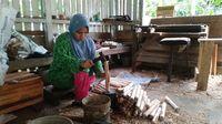 Melihat Kampung Dokdak Ciamis, Pertahankan Pembuatan Perkakas Pertanian Secara Tradisional