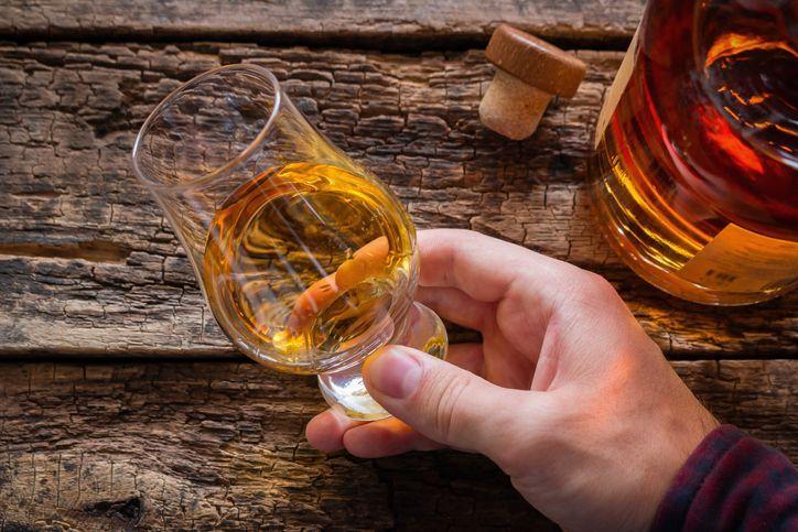 Whisky dan madu untuk obat virus corona