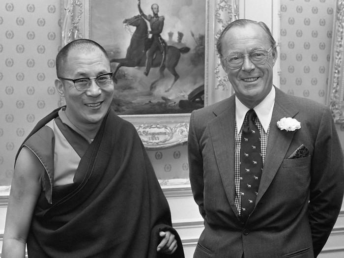 Pengeran Bernhard bersama Dalai Lama (Nationaal Archief)
