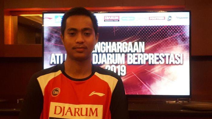 Pebulutangkis juara Asia junior Rahmat Hidayat ingin  bisa meniru jejak Hendra Setiawan. Foto: Mercy Raya