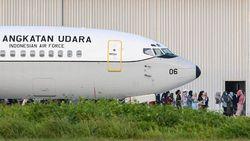 Pesawat TNI AU yang Bawa WNI Usai Observasi di Natuna Tiba di Lanud Halim