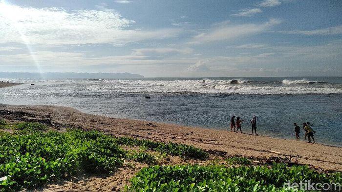 Keseruan Camping di Pantai Karapyak Pangandaran