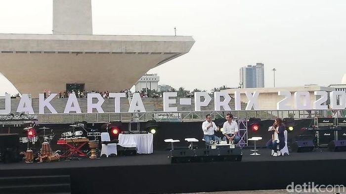 Gubernur DKI Jakarta Anies Baswedan mengumumkan Formula E di Monas  (Rizki Pratama)