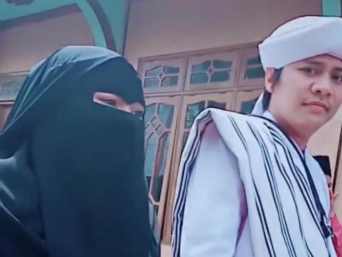 Nengmas jadi viral karena mengantar suaminya menikah lagi. (Foto: tiktok @nengnthan)