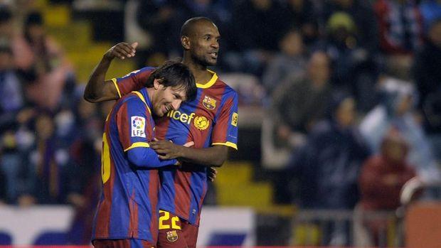 Lionel Messi dan Eric Abidal meraih 15 gelar bersama di Barcelona.