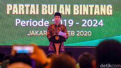 Hadiri Pelantikan Yusril, Jokowi Singgung Kesolidan Partai