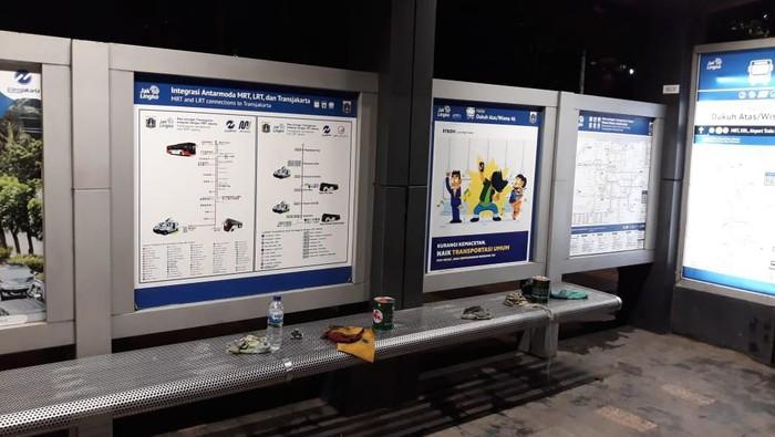 Polisi Cari Pelaku Vandalisme di Halte TransJ Dukuh Atas