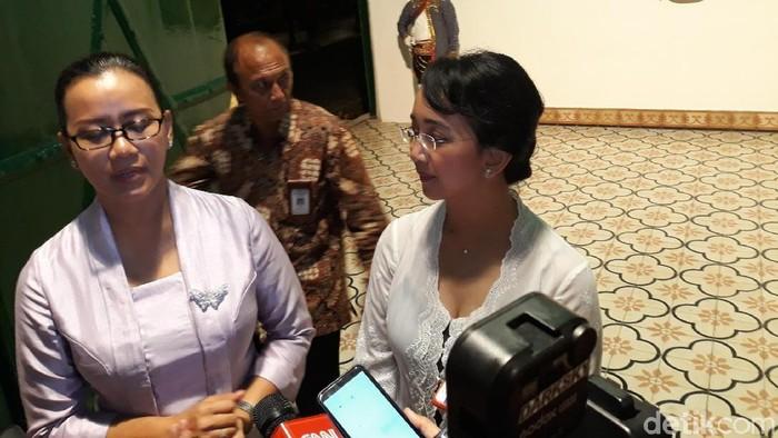 Putri sulung Sri Sultan Hamengku Buwono (HB) X, GKR Mangkubumi (kiri), Rabu (5/2/2020).