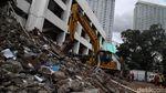 Dua Gedung di Kawasan Taman Ismail Marzuki Dibongkar