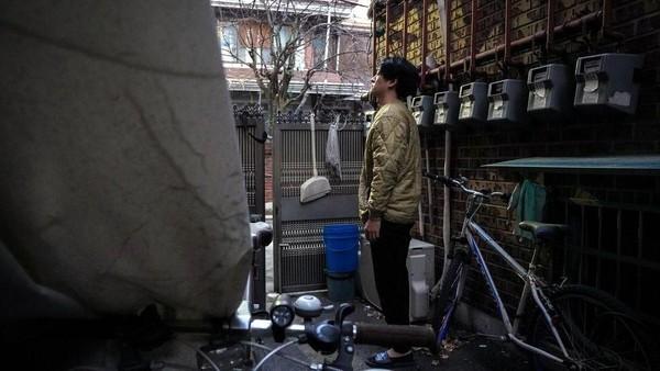 Mereka memilih tinggal di banjinha karena harga sewanya yang sangat terjangkau. Banjinha tidak langsung ada. Ada sejarah cukup panjang di baliknya, terkait konflik Korea Utara dan Korea Selatan. (BBC)