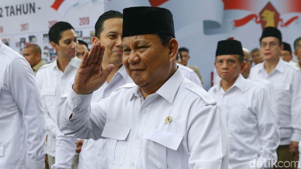 Prabowo Rapat dengan Menhan UEA di Gurun Pasir, Sambil Lepas Elang