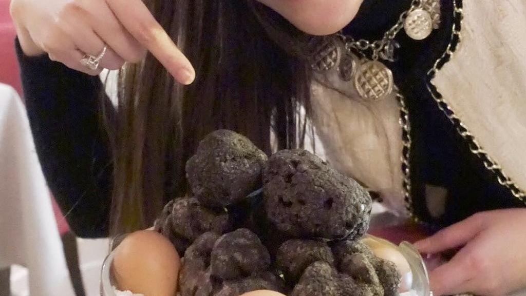 Tajir Melintir, 5 Seleb Ini Doyan Jamur Truffle yang Harganya Jutaan Rupiah
