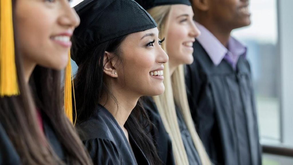 10 Universitas yang Paling Banyak Menghasilkan Orang Kaya