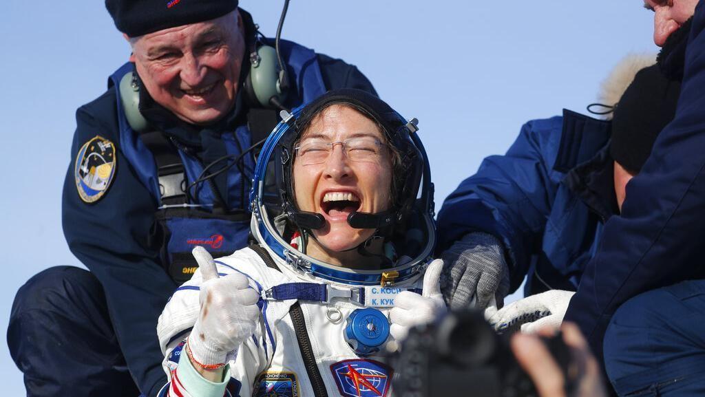 Momen Pulangnya Astronaut Perempuan Pemecah Rekor 328 Hari di Antariksa