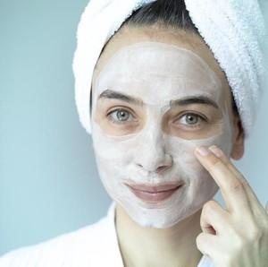 9 Kesalahan Saat Menggunakan Masker Wajah