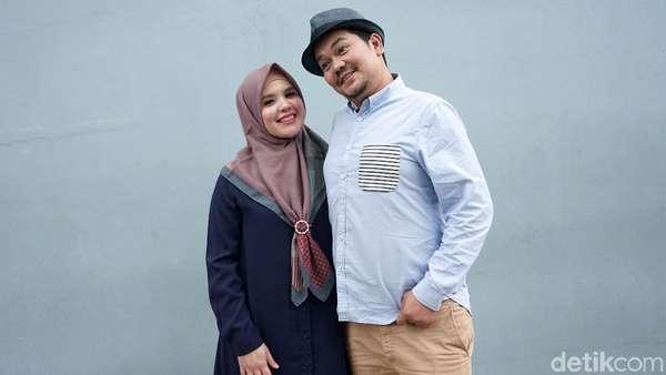Keep Smile! Indra Bekti dan Istri Ikhlas Bayi Tabungnya Gagal