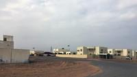 Kepergian penduduk desa dihubungkan dengan badai pasir ganas yang membuat desa tidak dapat dihuni. Kata Yasser Elsheshtawy, seorang profesor di Universitas Columbia yang mempelajari perumahan Shabi di UEA dari akhir 1960-an, diketahui adanya program pemerintah menyediakan perumahan modern bagi penduduk Badui nomaden (Foto: CNN)