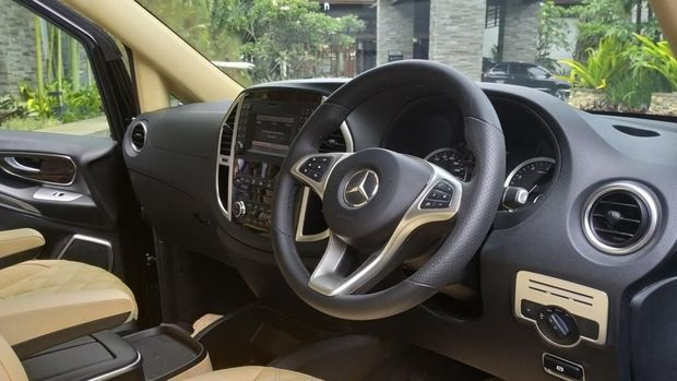 Baris pertama Mercedes-Benz New Vito