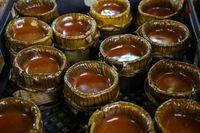 Kue keranjang dalam perayaan Cap Go Meh.
