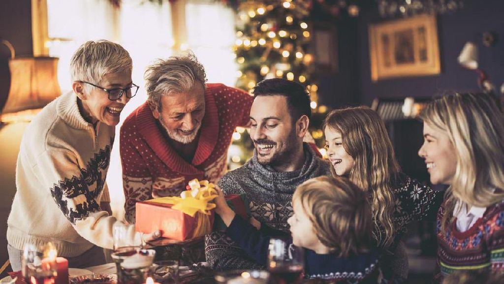 30 Kumpulan Ucapan Natal dan Tahun Baru 2021 yang Simple dan Berkesan