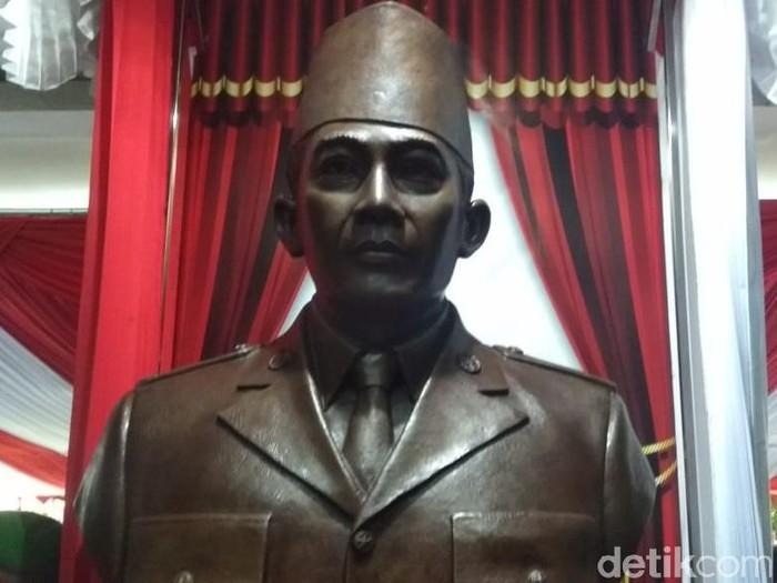 Patung Ir Soekarno di Akademi Militer (Akmil) Magelang, Jumat (7/2/2020).