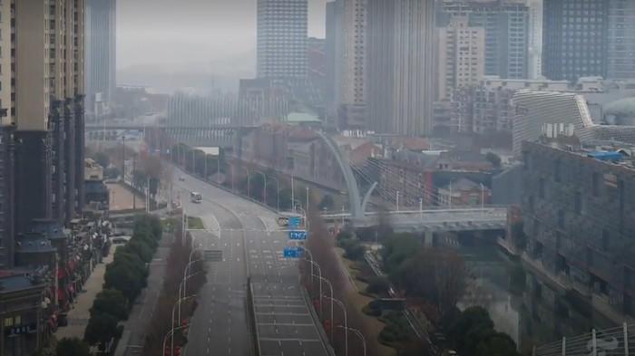 Jalanan Wuhan Sepi
