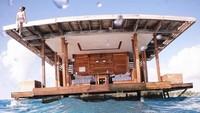 Foto: Indahnya Hotel Apung yang Sediakan Kamar Bawah Laut