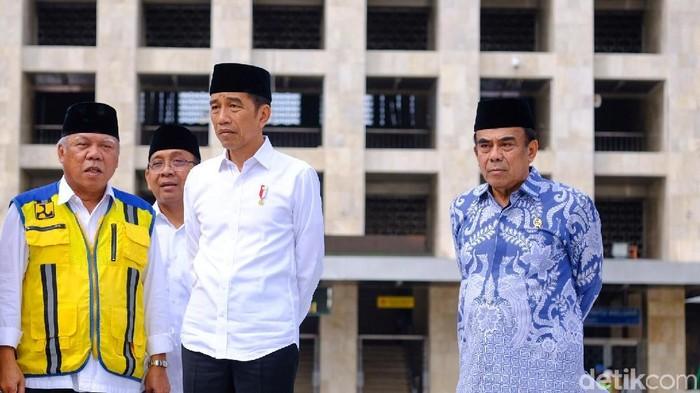 Presiden Joko Widodo (Jokowi) meninjau renovasi Masjid Istiqlal