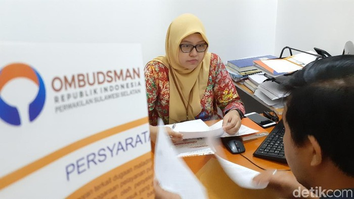 M Nur Abdurrahman-detikcom/ Warga melaporkan Kasat Lantas Polrestabes Makassar karena tutup jalan protokol gara-gara nikah anak rektor