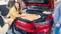 Ide Unik, Kap Mesin Mobil Bisa Tampung Ayam Goreng atau Minuman Dingin