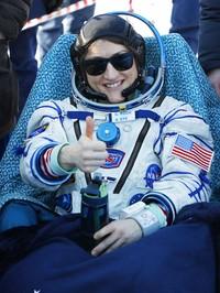 Momen pendaratan astronot Christina Koch