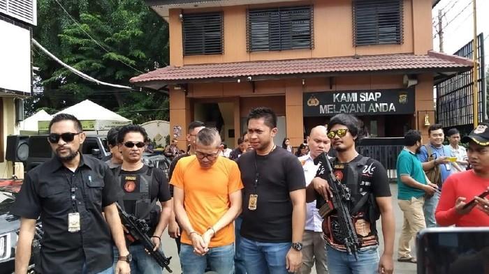 Tohap Silaban ditangkap polisi