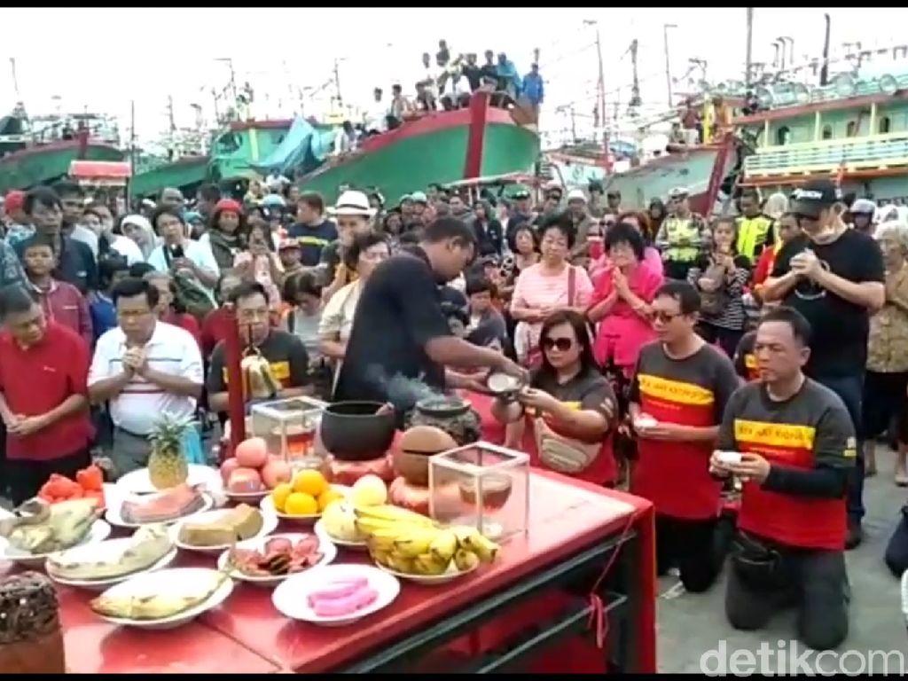 Cap Go Meh di Kota Tegal Begitu Ramai, Ada Kirab Toa Pekong