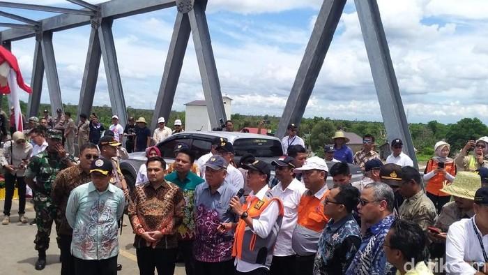 Swasta bangun jembatan dan overpass di Kalimantan Selatan