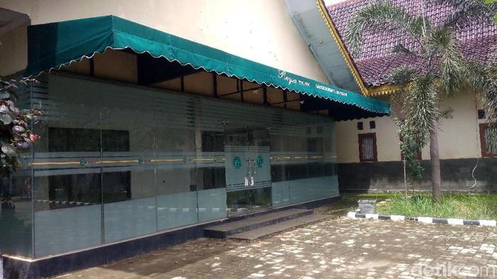 KPK telah menyita aset-aset Rohadi, PNS tajir melintir asal Indramayu. Salah satu aset yang disita adalah Rumah Sakit Resya.