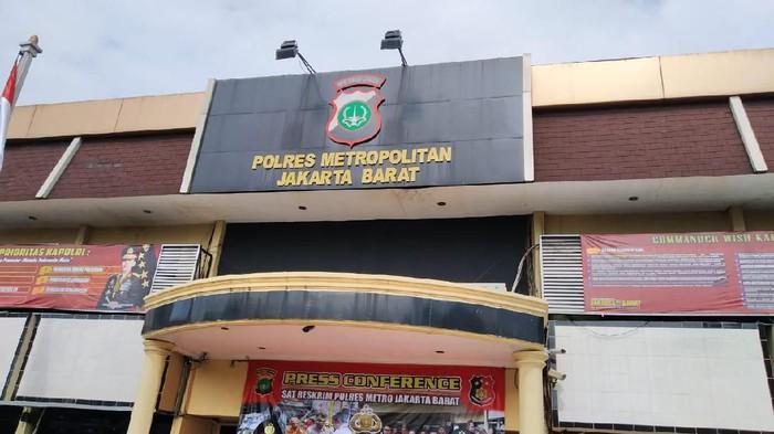 Mobil Tohap Silaban, pengemudi yang melawan polisi