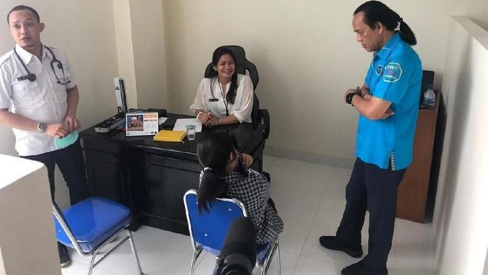 107 Pengunjung diskotek Venue Kemang dan Golden Crown, Tamansari, Jakarta Barat diketahui positif mengonsumsi narkoba saat dirazia oleh Badan Narkotika Nasional (BNN). Seluruh pengunjung yang positif itu dilakukan rehabilitasi.