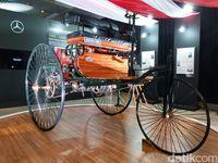 Mobil pertama di dunia yang berada di Museum Nasional